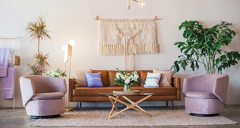 Kas svarbu renkantis svetainės baldus?