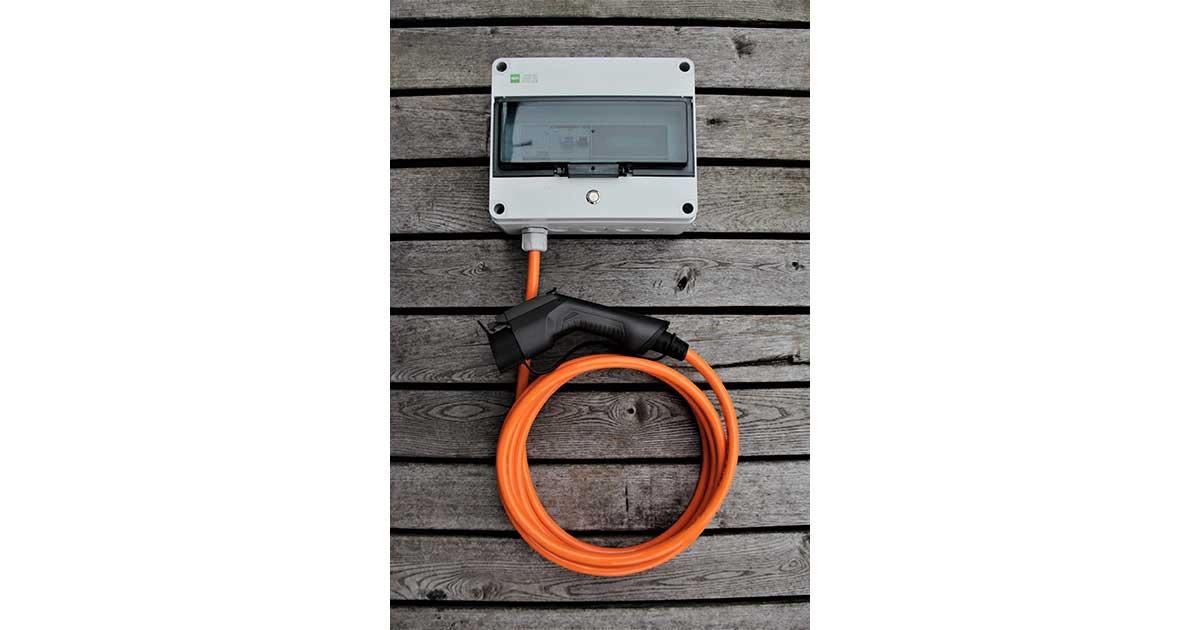 Kokie yra elektromobilių įkrovimo stotelių tipai?